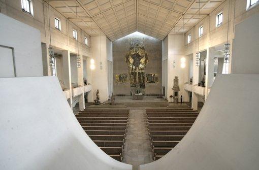 religion in stuttgart kirche will 34 gemeinden streichen stuttgart stuttgarter zeitung. Black Bedroom Furniture Sets. Home Design Ideas