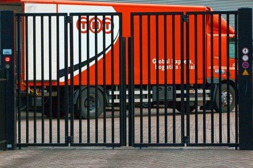 Paketdienst branche tnt post schlie t depot stuttgart for Depot feuerbach