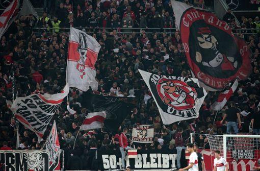 Vfb Stuttgart Bei Borussia Monchengladbach Polizeiliche Massnahmen Gegen Vfb Ultras Vfb Stuttgart Stuttgarter Zeitung