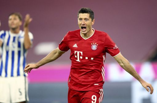 Sieg Gegen Hertha Bsc Vierfacher Lewandowski Rettet Den Fc Bayern Bei Torspektakel Fussball Stuttgarter Zeitung