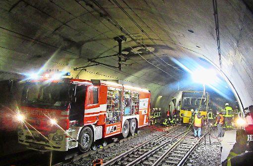 Stadtbahn Unfall In Stuttgart Ssb M Ssen Weiche Im Tunnel