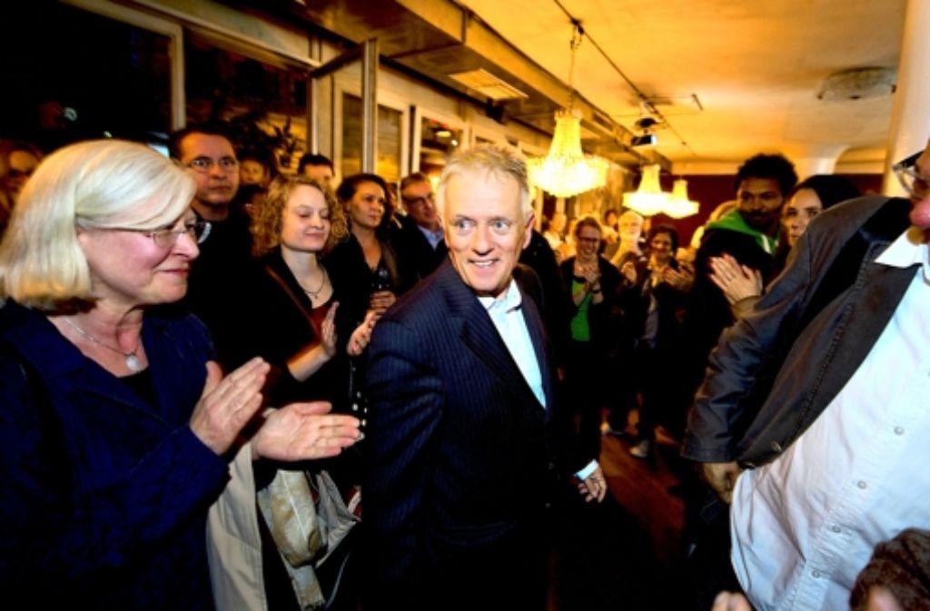 Unter Kronleuchtern: Fritz Kuhn am Wahlabend auf der Grünen Party Foto: Martin Stollberg
