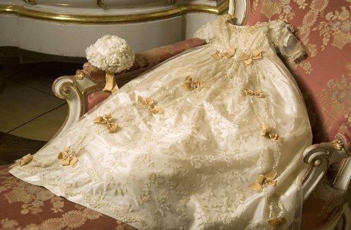 Der Kaiserin schönste  Kleider: Sisi legte immer Wert auf edelste Roben. Foto: dapd