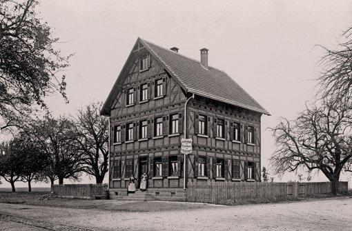 Altes Wirtshaus ziert das Februar-Blatt