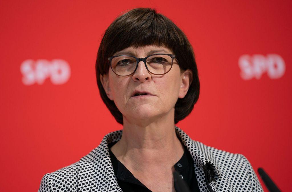 SPD-Vorsitzende Esken prügelt auf Polizei ein, um bei Grünlinken zu punkten