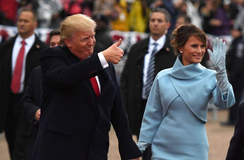 Mode Im Stil Von Jacqueline Kennedy Melania Trump Setzt Auf