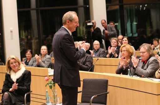 Beifall für Wolfgang Schuster und seine Frau Stefanie (links) Foto: Achim Zweygarth