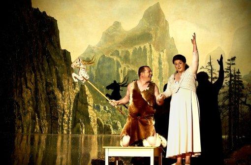 Stefan Vinke  als Siegfried und Irmgard  Vilsmaier als Brünnhilde Foto: Sigmund