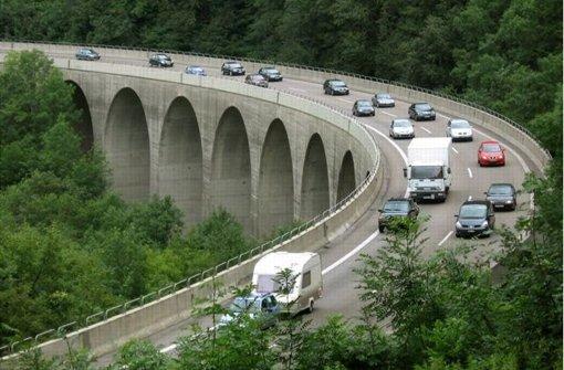Aktionsbündnis blockiert Verkehr