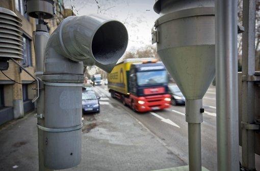 Umweltverbände:  Verkehr  halbieren