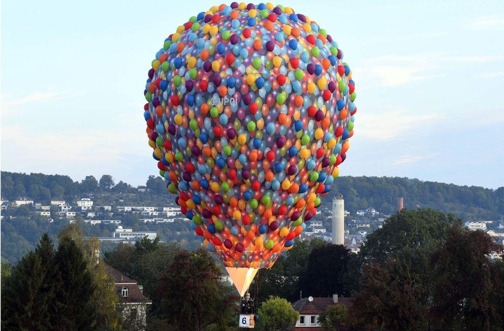 Heißluftballon-Wettbewerb: Der Himmel färbt sich kunterbunt - Baden ...