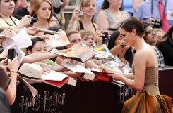 Vorbei erst einmal das Autogramme schreiben wie hier im Sommer in New York bei der Weltpremiere des Films Harry Potter und die Heiligtümer des Todes ... Foto: AP