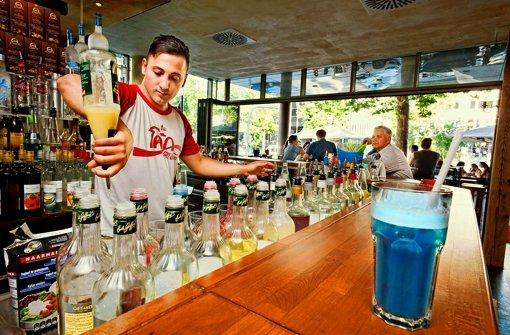 Auf der Cocktailkarte stehen die verrücktesten Geschmacksmischungen Foto: Heinz Heiss