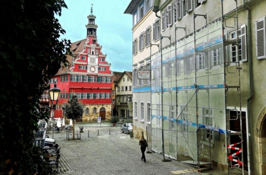 Esslingen Das Vier Farben Haus Wolbt Sich Nach Aussen Landkreis