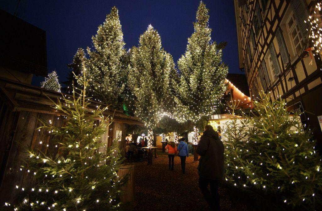 Eröffnung Weihnachtsmarkt Stuttgart 2019.Weihnachtsmärkte Im Rems Murr Kreis Hier Ist Der Budenzauber Am