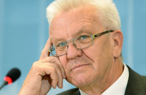 Baden-Württembergs Ministerpräsident Winfried Kretschmann hat einem Plan zugestimmt, wonach es 2017 einen Feiertag mehr geben soll.  Foto: dpa