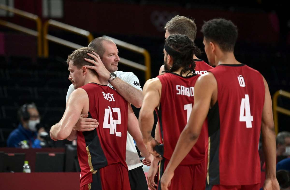 viertelfinal-pleite-bei-olympia-2021-medaillentraum-f-r-deutsche-basketballer-geplatzt