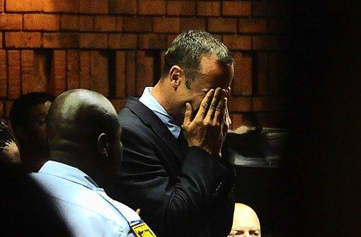 Unter Tränen steht der Leichtathlet Pistorius vor dem Haftrichter. Foto: dpa