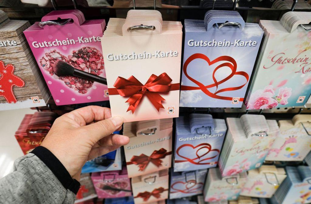 Weihnachtsgeschenke: Was beim Verschenken von Gutscheinen zu ...