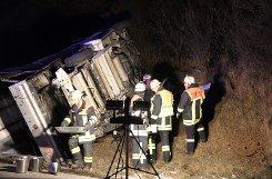 Sieben Verletzte und 16.000 Euro Schaden sind die Bilanz eines Verkehrsunfalls, der sich am späten Sonntagabend auf der Autobahn 8 auf den Fildern ereignet hat. Foto: www.7aktuell.de | Christian Schlienz