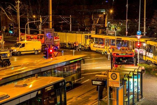 Karl-Benz-Platz: Stadtbahn entgleist
