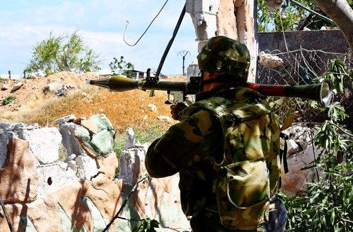 Die Oppositionellen wünschen sich Panzerabwehrraketen. Foto: dpa