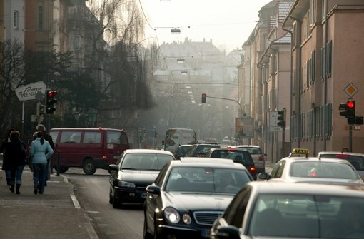 Die Kreuzung muss ein hohes Verkehrsaufkommen verkraften. Foto: Steinert