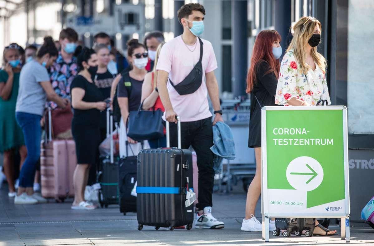 Corona Testzentrum am Flughafen Stuttgart Urlauber berichten von ...