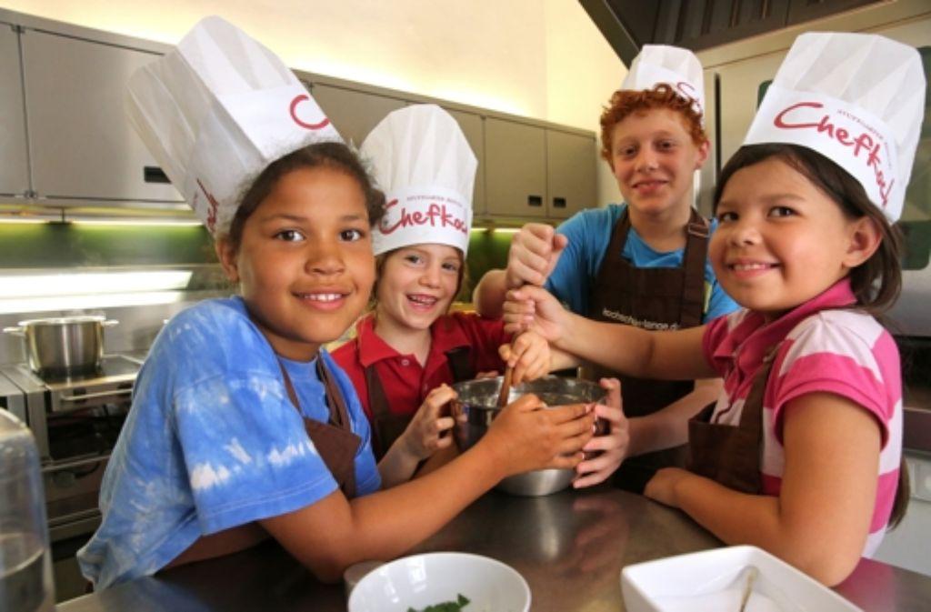 Kinder kochen ihr Lieblingsessen: Das perfekte Kinder-Dinner ... | {Kochschule für kinder 59}