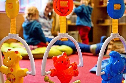 Viele Kleinkinder warten auf   Krippenplätze