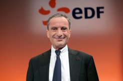 bSommer 2010:/b    Stefan Mappus trifft den EdF-Chef Henri Proglio. Die Überlegungen für den Rückkauf beginnen. Foto: EPA