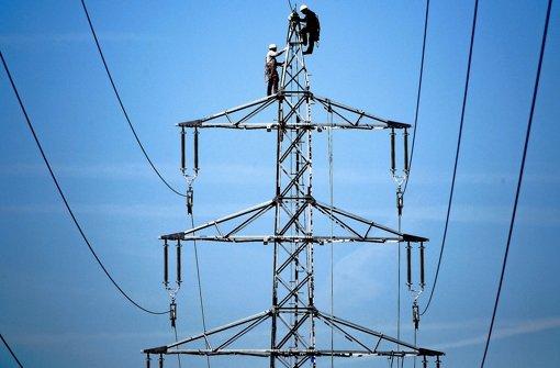 Die Stromleitungen sollen den Eigentümer wechseln.. Foto: dpa