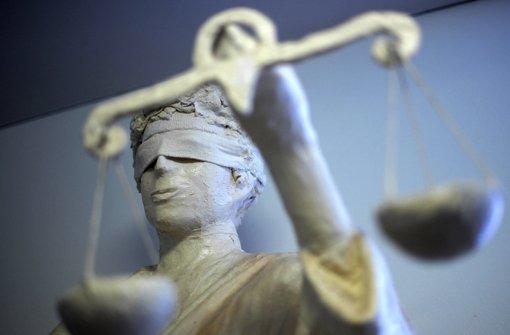 Die Gerichtsstrafe ist für die junge Frau wahrscheinlich noch die geringste Last. Foto: dpa