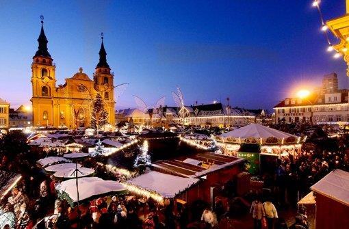 Barocker Glanz: Die Ludwigsburger sind stolz auf ihren Weihnachtsmarkt. Foto: factum/Weise