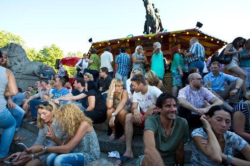 Stuttgart kombiniert Fischbrötchen und Sprizz