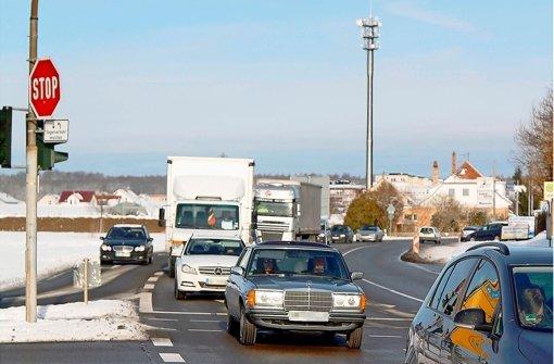 Die  Altdorfer Kreuzung passieren oft 30000 Fahrzeuge am Tag. Foto: factum/Granville
