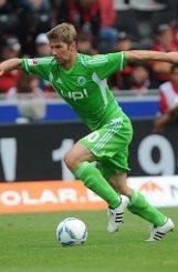 bThomas Hitzlsperger/b: Mittelfeld, 30 Jahre, zuletzt VfL Wolfsburg.br Foto: dpa