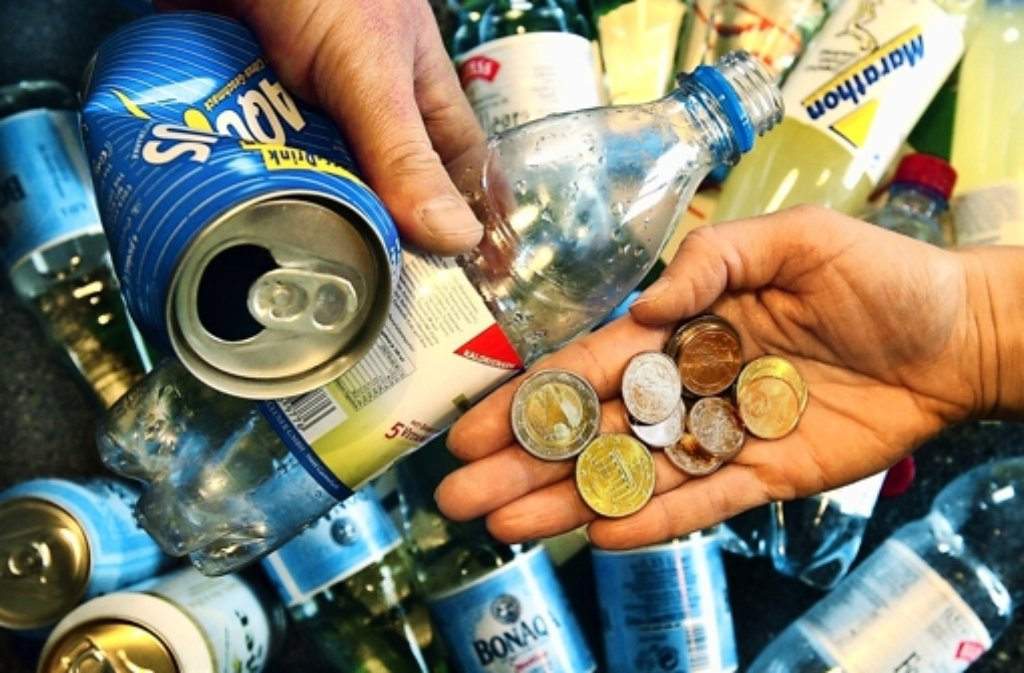 Getränke: Aldi Süd nimmt Pfand-Einwegdosen zurück - Wirtschaft ...