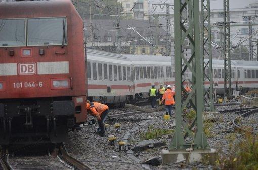 Nach drei Zugunfällen bleibt Gleis 10 am Stuttgarter Hauptbahnhof auf unbestimmte Zeit gesperrt. Foto: 7aktuell.de/Eyb
