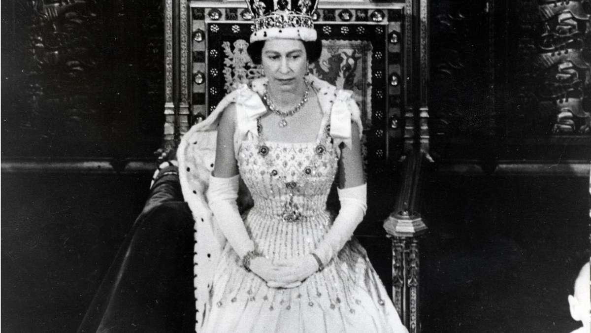 prinzessin beatrices vintage-hochzeit: hier trägt die queen