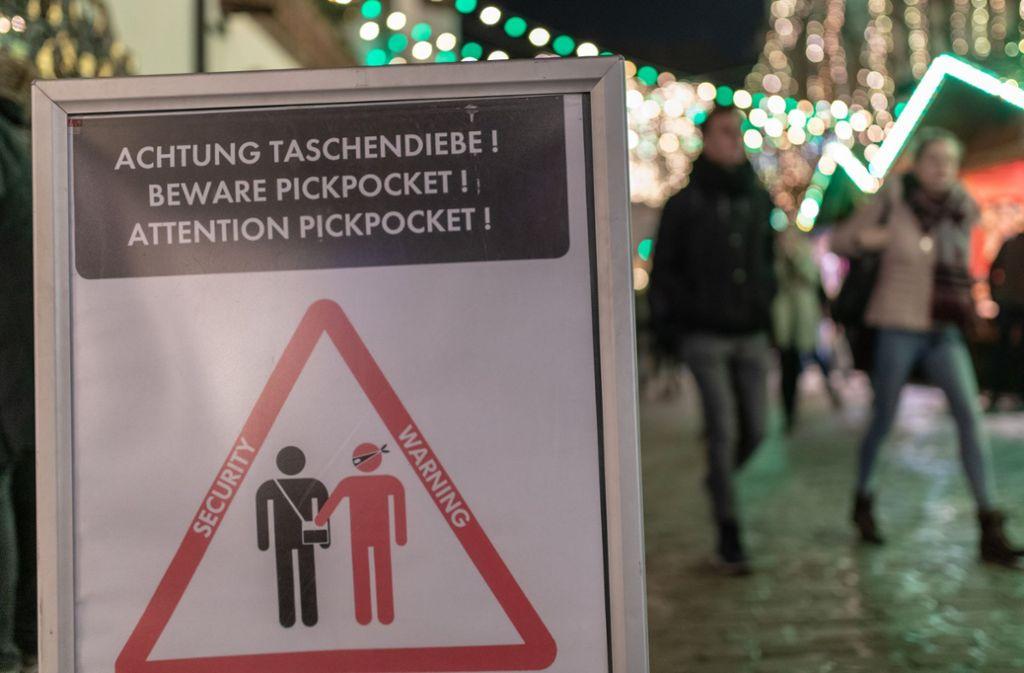 Das Weihnachtsmarkt.Weihnachtsmarkt Stuttgart Das Sind Die Tricks Der Taschendiebe