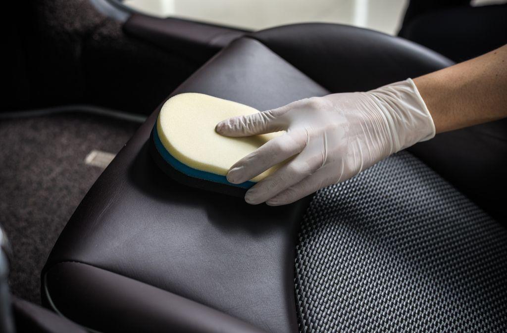 Turbo Autositze reinigen: Flecken und Gerüche entfernen - Wissen KB49