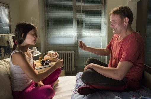 Mila Boehning als  Melinda und Devid Striesow  als Foto: SR/Meyer