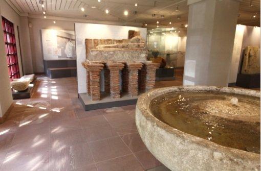 Das Dominikanermuseum Rottweil zeigt Steinskulpturen von Willi Bucher und einigen Künstlerfreunden