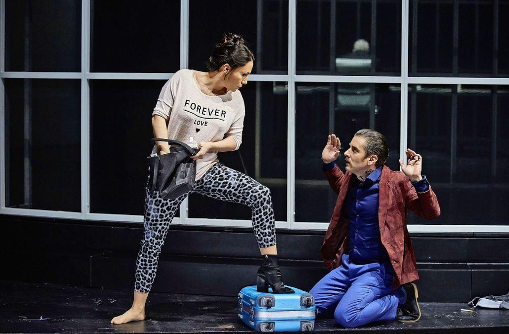 """Ana Durlovski mit André Morsch bei den Proben zu """"Don Pasquale"""" in Stuttgart Foto: Martin Sigmund"""