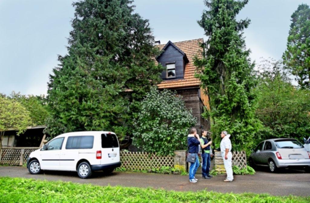 Am Tatort In Nrtingen Sucht Die Spurensicherung Nach Beweisen Weitere Fotos Vom Zeigen Wir