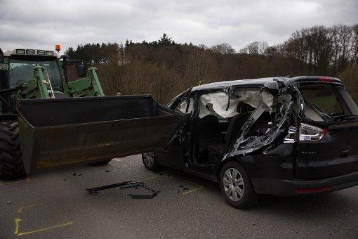14-Jährige stirbt bei Traktor-Aufprall