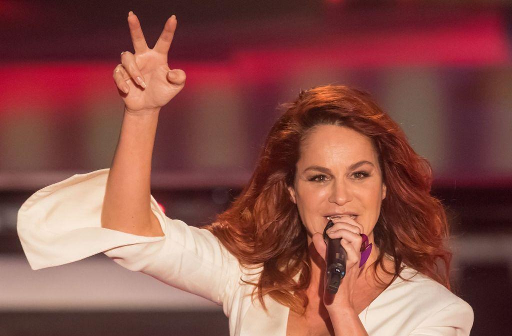 Andrea Berg Beginnt Tournee 2019 In Stuttgart Sie Spielt Mit Feuer