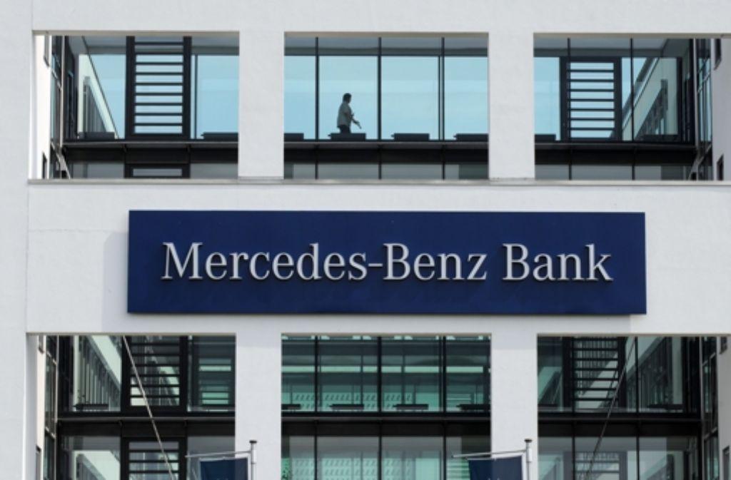 Die mercedes benz bank sponsert k nftig den vfb stuttgart for Mercedes benz bank login