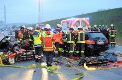 Die Polizei sucht nach den Hintergründen für den tödlichen Unfall eines Geisterfahrers auf der A81 vom Montag. Die 75-jährige Frau des Falschfahrers ist noch im Krankenhaus und soll sich zur Geisterfahrt äußern. Foto: www.7aktuell.de | Oskar Eyb